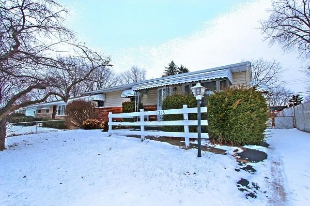 Photo of home for sale at 1316 Dellwood Avenue, Columbus OH