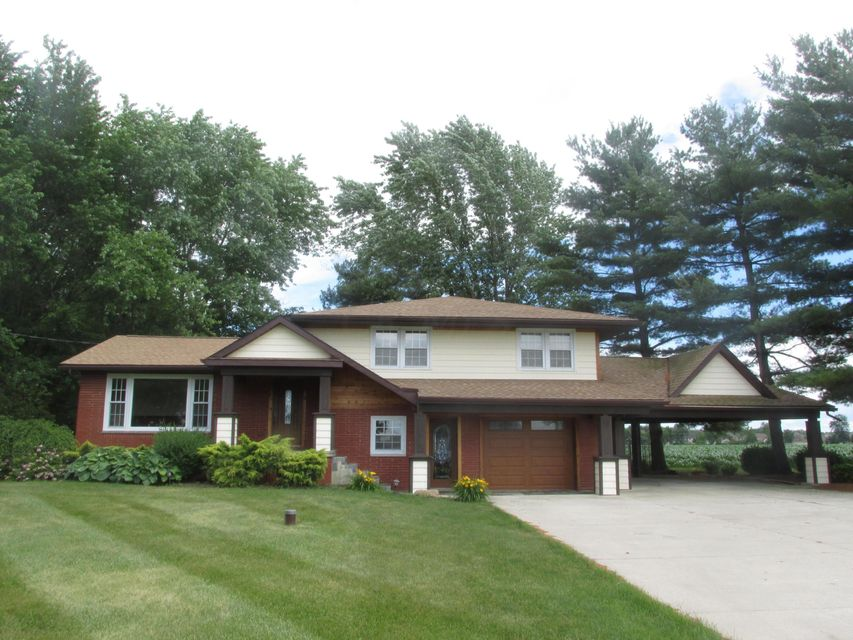 Photo of home for sale at 2484 State Road 62 NE, Washington Court House OH