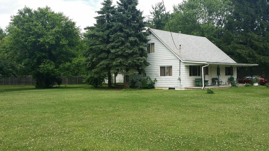 Photo of home for sale at 4806 Jeanette Road, Hilliard OH