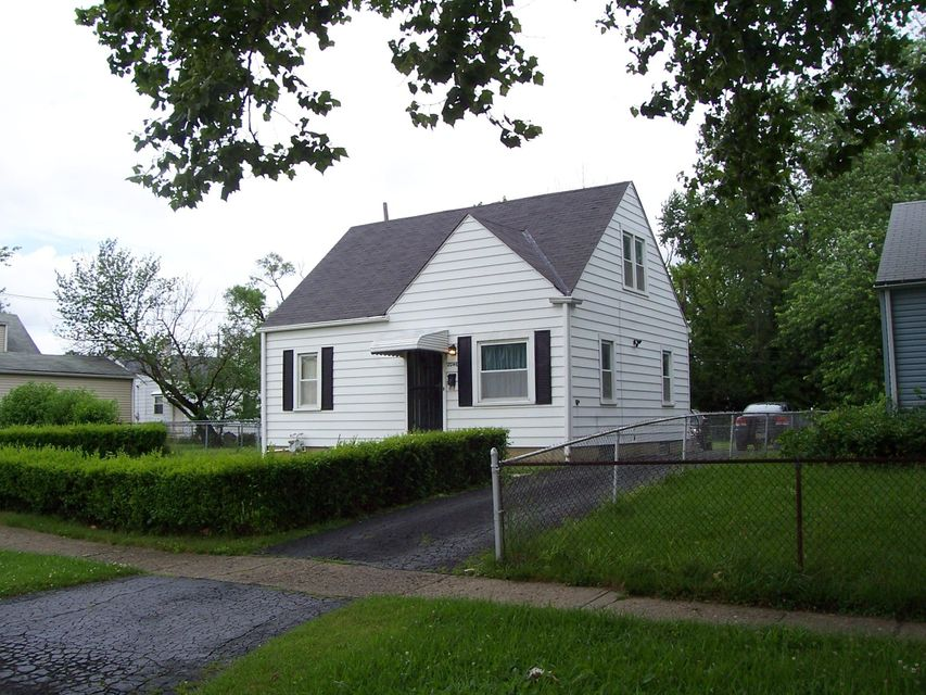 Photo of home for sale at 2046 ARGYLE Drive, Columbus OH