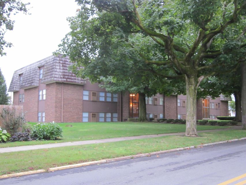 Photo of home for sale at 505-509 Detroit Street S, Bellefontaine OH