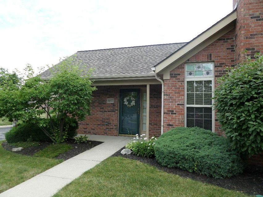 Photo of home for sale at 3077 Pine Manor Boulevard, Grove City OH
