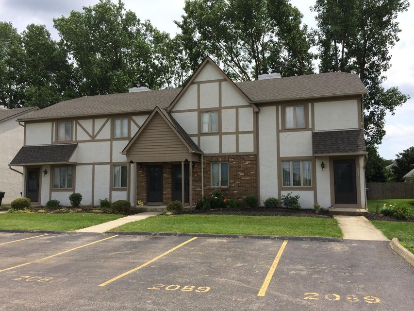 Photo of home for sale at 2083 CASE Road W, Columbus OH