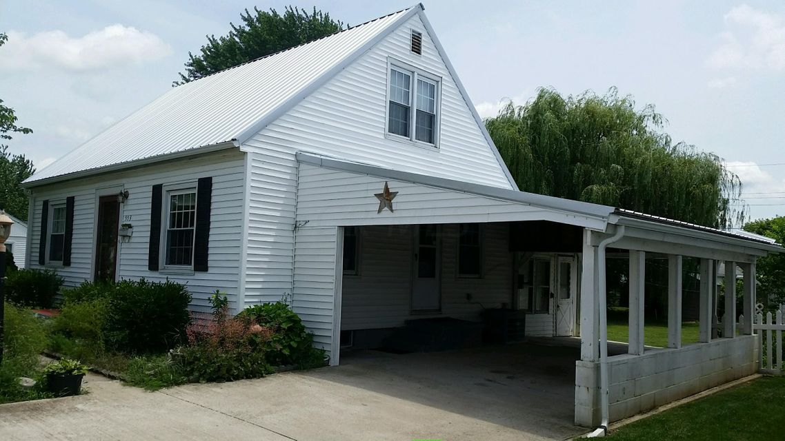 Photo of home for sale at 553 Albin Avenue, Washington Court House OH