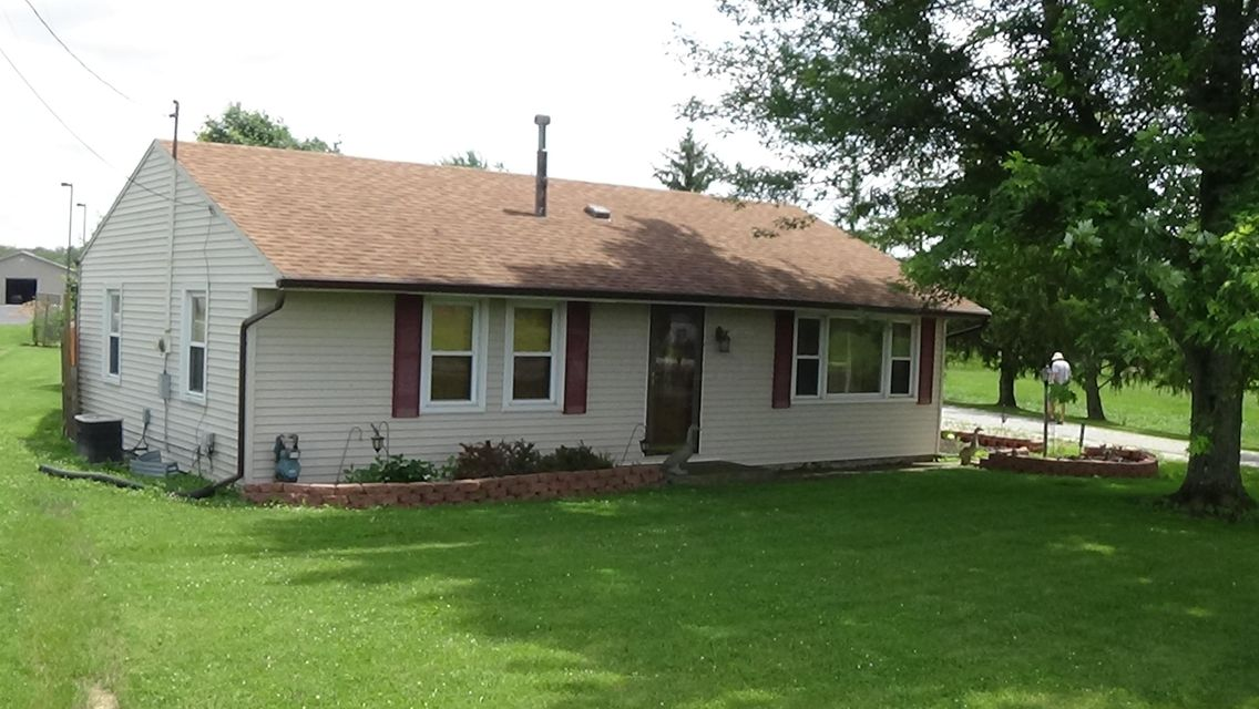 Photo of home for sale at 711 Jefferson Kiousville Road W, West Jefferson OH