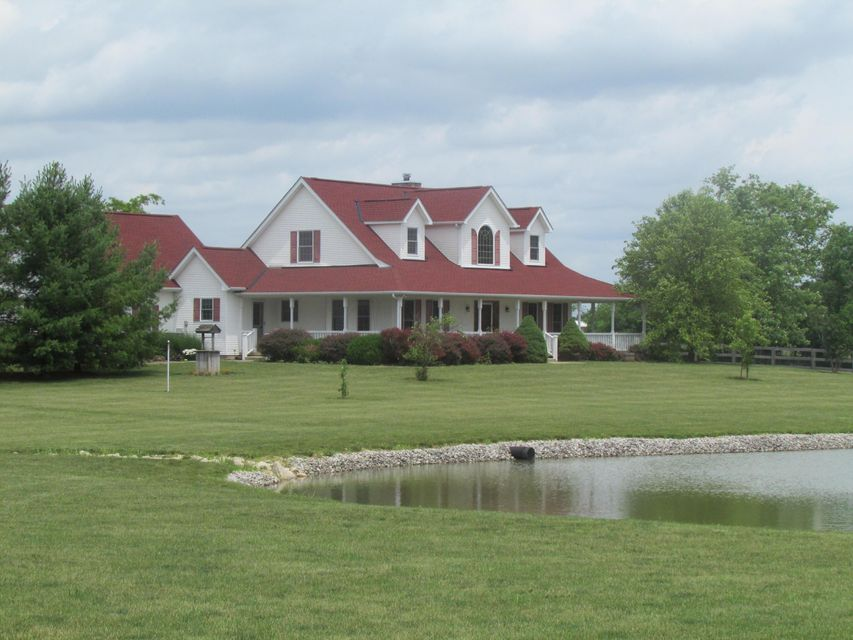 Photo of home for sale at 5340 Goodson Road, West Jefferson OH