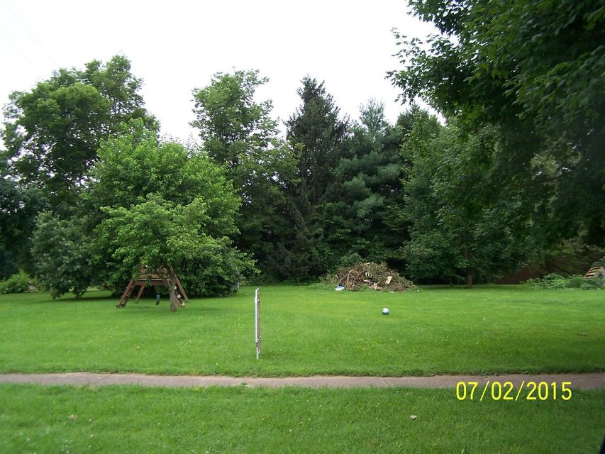 Photo of home for sale at 000 Lincoln Avenue, Pleasantville OH