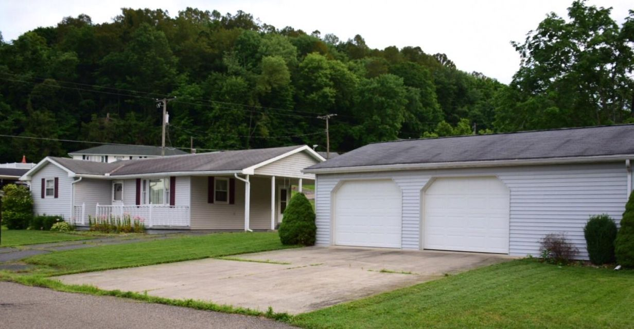 Photo of home for sale at 55 10th Street W, Dresden OH