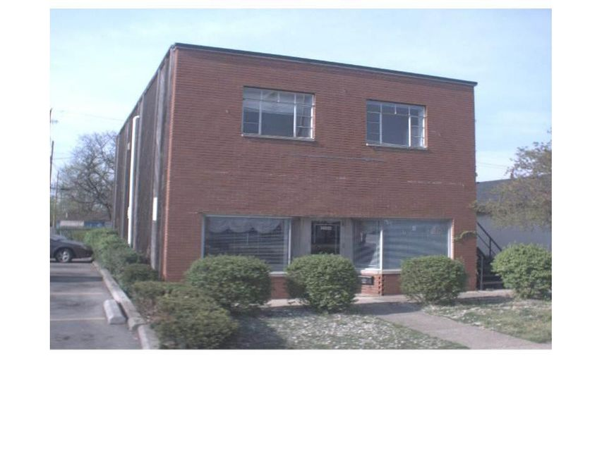 Photo of home for sale at 3166 Broad Street W, Columbus OH