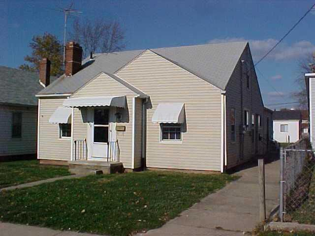 Photo of home for sale at 358 Logan Street, Circleville OH