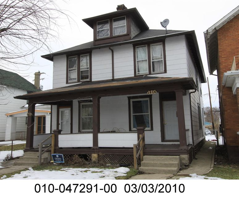 Photo of home for sale at 1612-1614 Pembroke Avenue, Columbus OH
