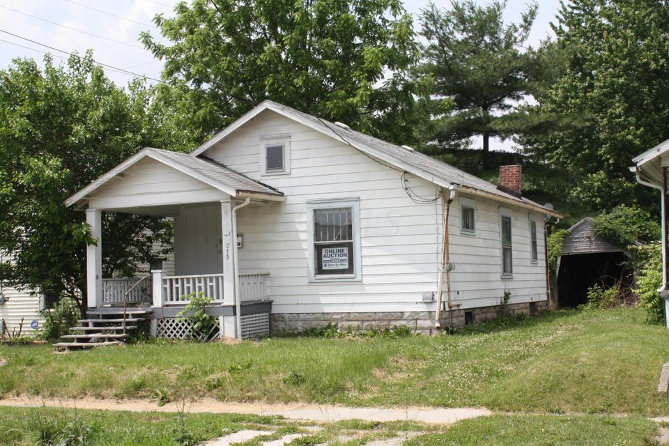 Photo of home for sale at 275 Greenwood Street N, Marion OH