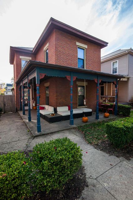 Photo of home for sale at 313 3rd Avenue W, Columbus OH