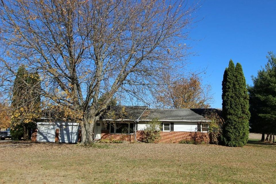 Photo of home for sale at 2036 Owens Road W, Prospect OH