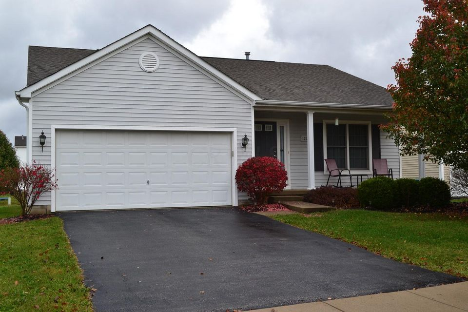 Photo of home for sale at 1212 Valley Drive, Marysville OH