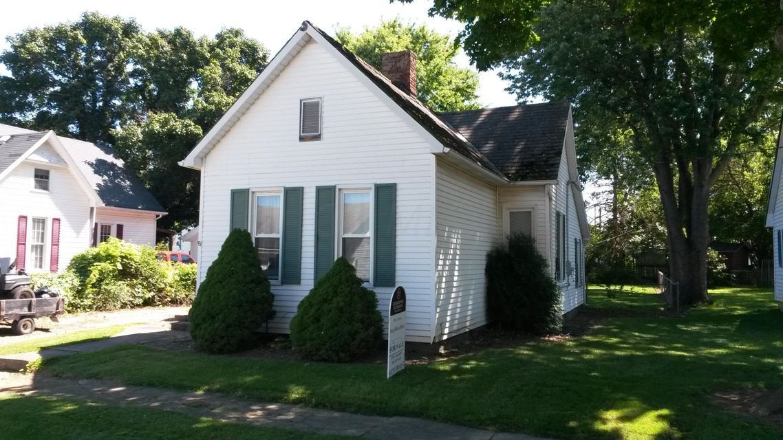 Photo of home for sale at 14 Oak Street N, Kingston OH