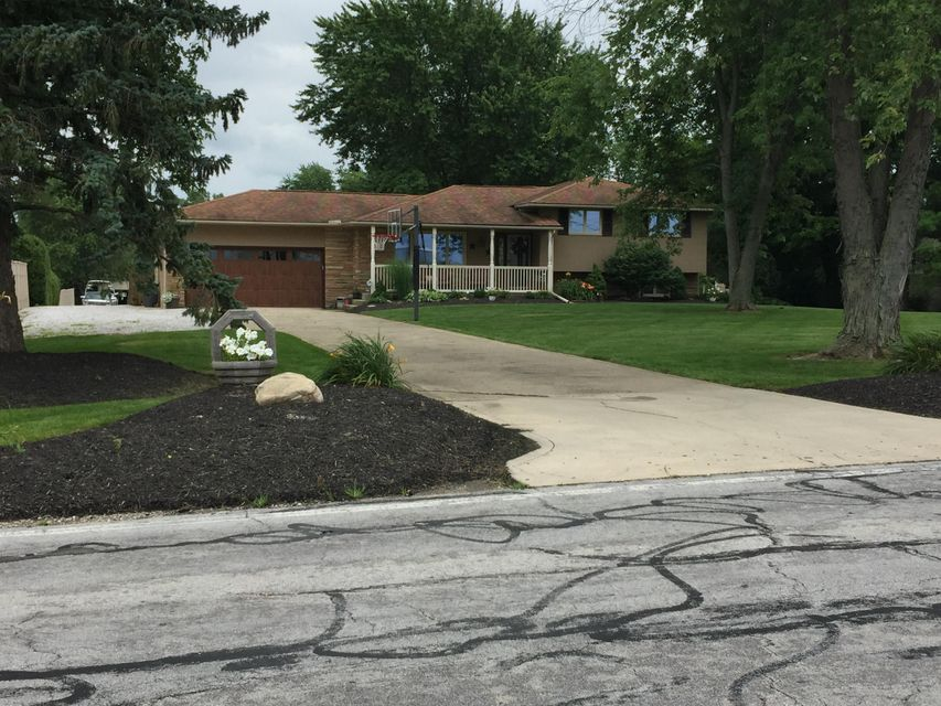 Photo of home for sale at 6716 Borror Road, Orient OH