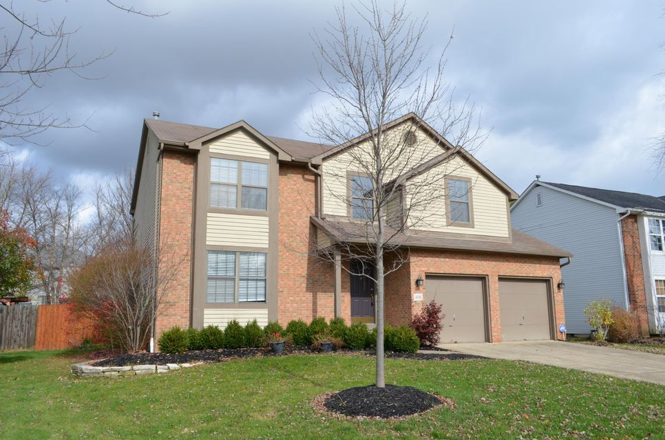 Photo of home for sale at 406 Meadow View Drive, Powell OH