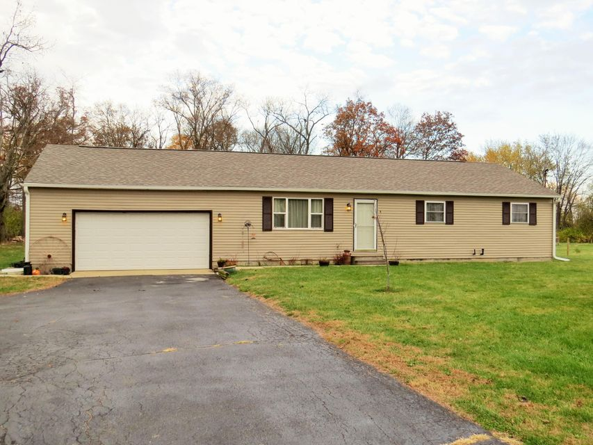 Photo of home for sale at 1887 Olmstead Road, West Jefferson OH