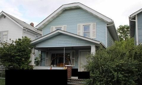 Photo of home for sale at 286 Richardson Avenue S, Columbus OH