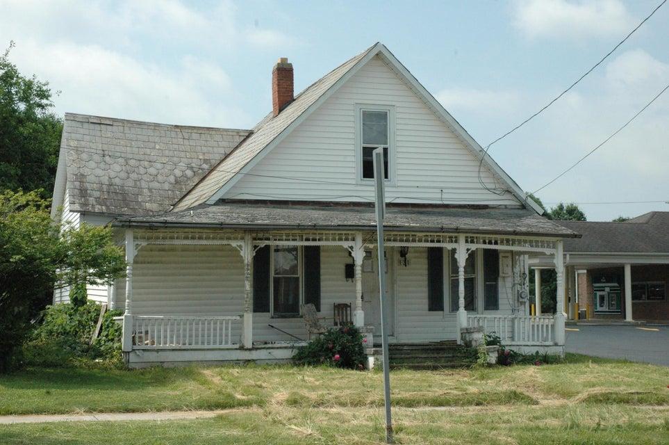 Photo of home for sale at 131 MAIN Street E, Cardington OH