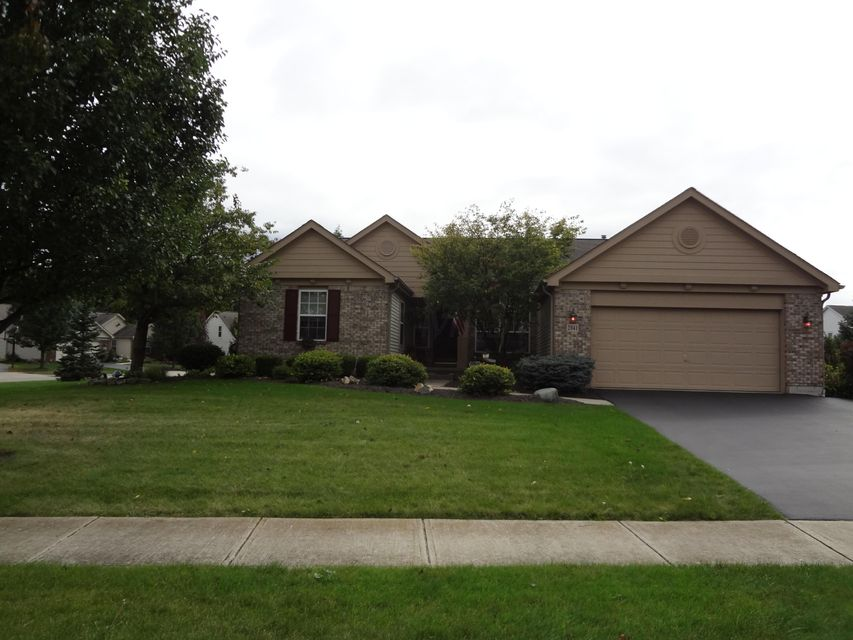 Photo of home for sale at 2041 Parklawn Drive, Lewis Center OH
