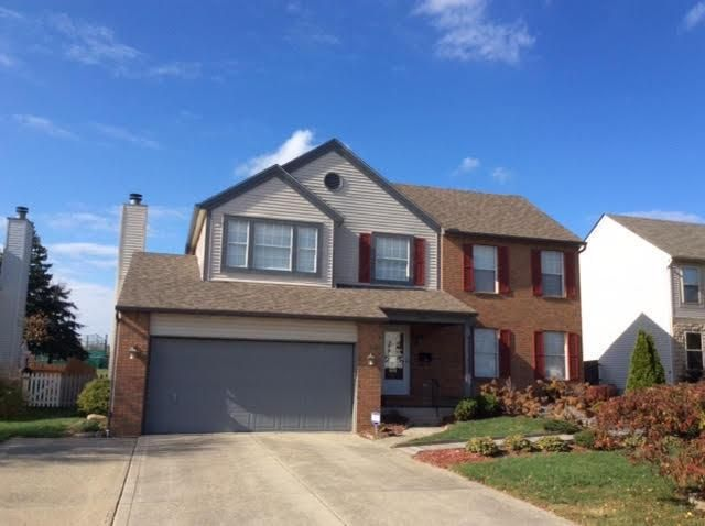 Photo of home for sale at 3255 Kingswood Drive, Grove City OH