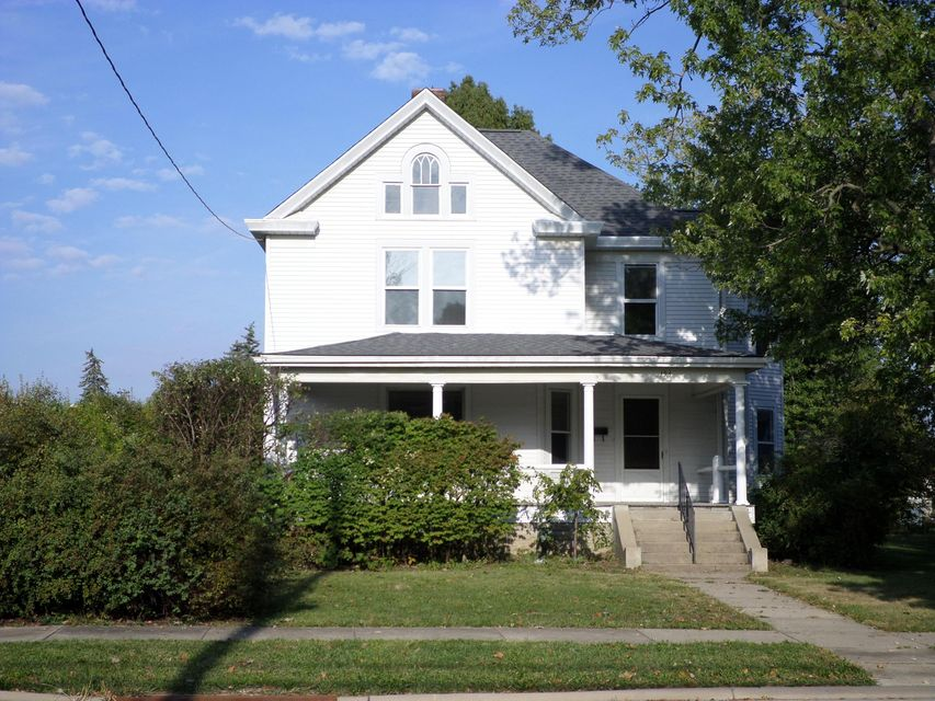 Photo of home for sale at 196 Columbus Street W, Mount Sterling OH