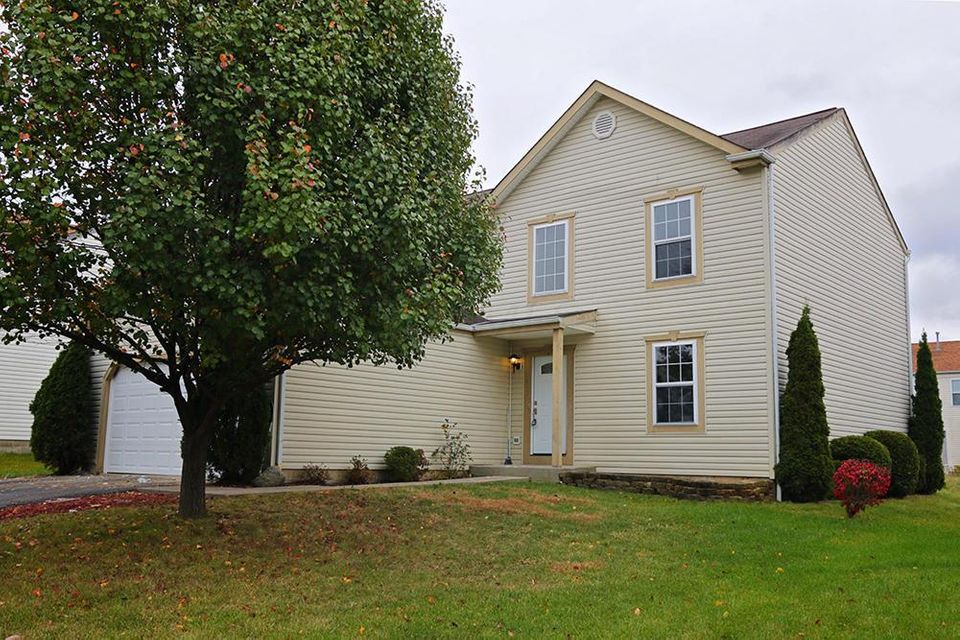 Photo of home for sale at 197 Bexhill Drive, Blacklick OH