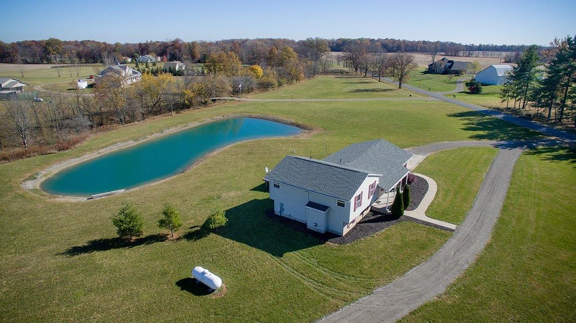 Photo of home for sale at 17720 MARTIN WELCH Road, Marysville OH