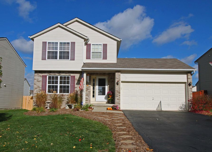Photo of home for sale at 7908 Fairfax Loop Drive, Blacklick OH