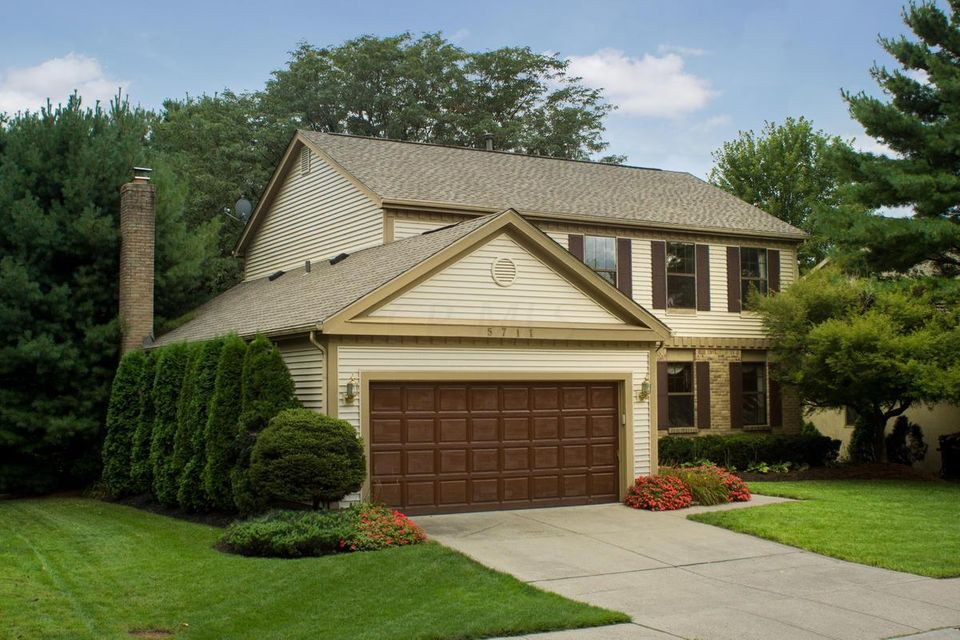 Photo of home for sale at 5711 Clear Stream Way, Westerville OH