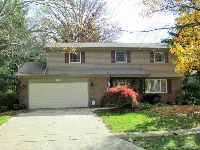 Photo of home for sale at 6972 Wethersfield Place, Worthington OH