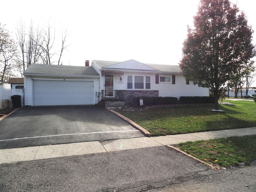 Photo of home for sale at 311 Malo Drive, Marion OH