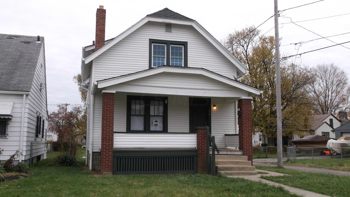 Photo of home for sale at 190 Nashoba Avenue, Columbus OH