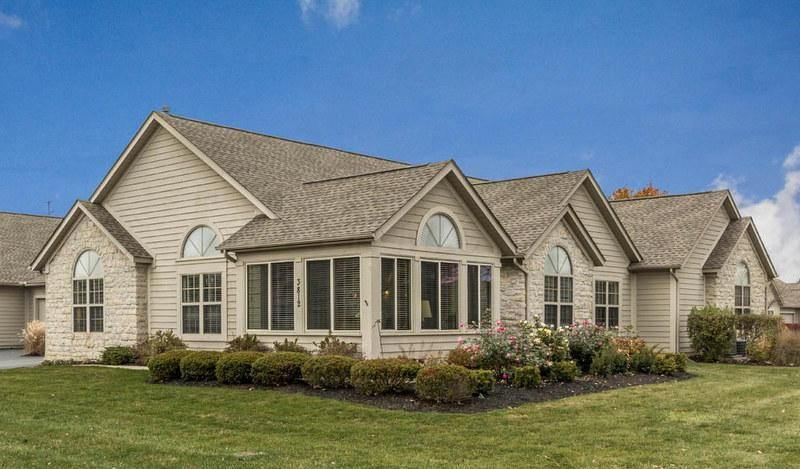 Photo of home for sale at 3812 Orchard Way, Powell OH