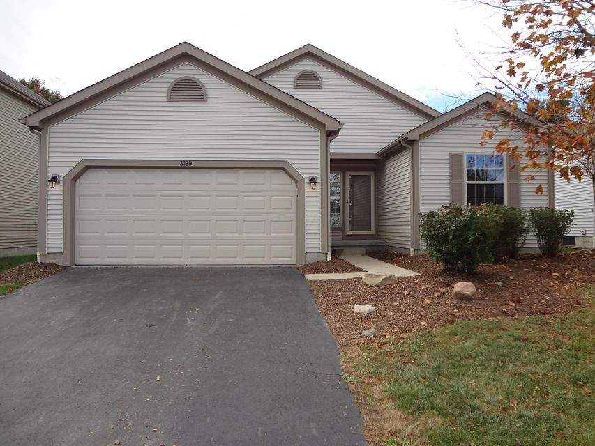 Photo of home for sale at 3199 Longspur Drive, Columbus OH