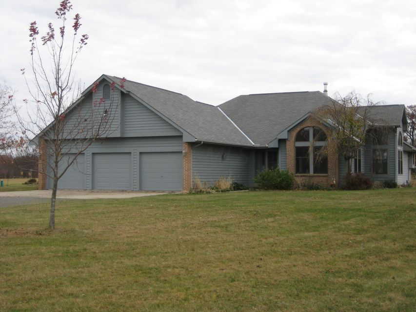 Photo of home for sale at 23011 Holycross Epps Road, Marysville OH