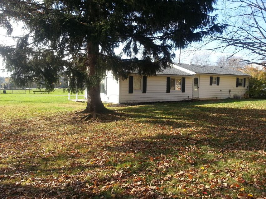 Photo of home for sale at 82 Northern Avenue, Pickerington OH