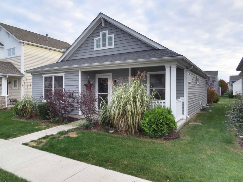 Photo of home for sale at 4263 White Spruce Lane, Grove City OH