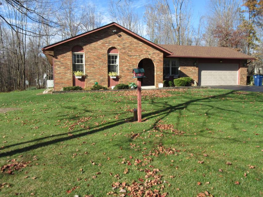 Photo of home for sale at 383 Riva Ridge Road SW, Pataskala OH