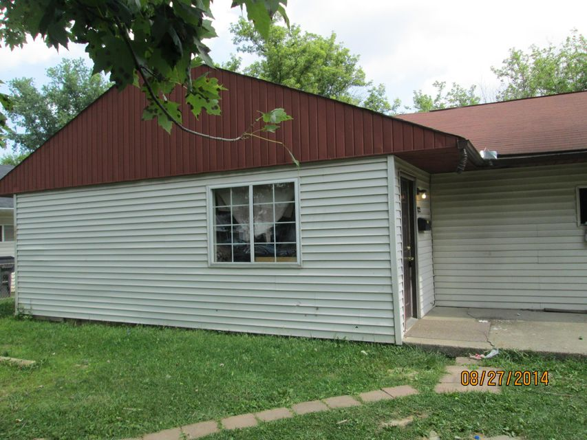 Photo of home for sale at 822 Derrer Road, Columbus OH