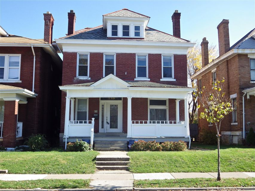 Photo of home for sale at 410 Ohio Avenue S, Columbus OH