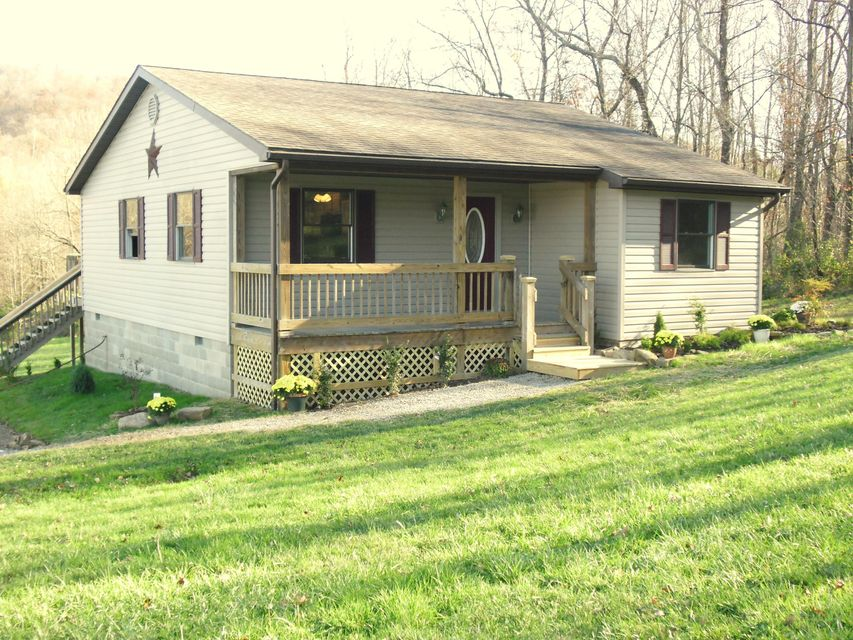 Photo of home for sale at 1077 Alexander Hollow Road, Bainbridge OH