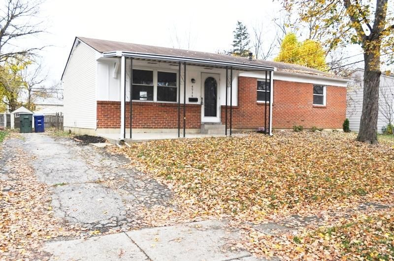 Photo of home for sale at 4934 Cryodon Boulevard N, Columbus OH