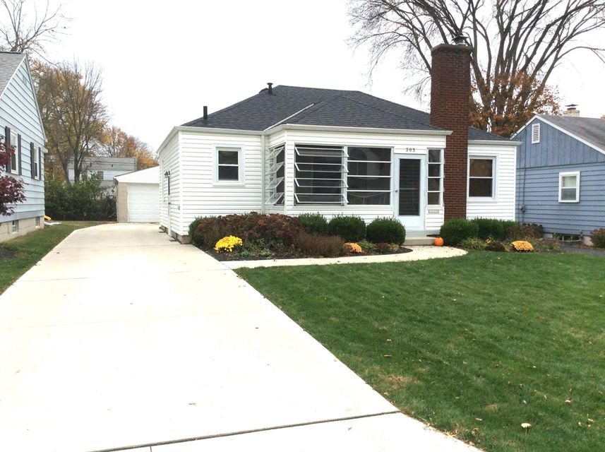 Photo of home for sale at 203 Desantis Drive, Columbus OH