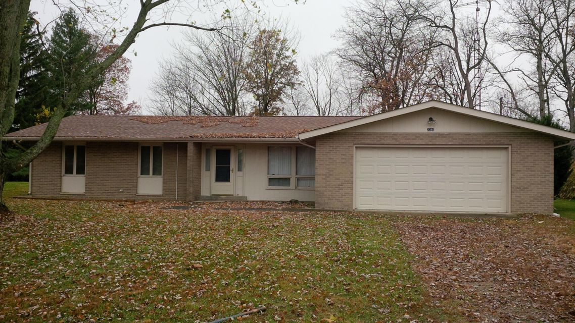 Photo of home for sale at 2380 Cherokee Drive, London OH