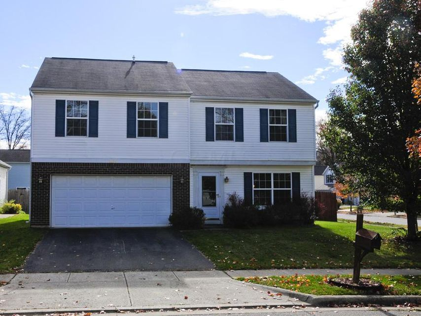 Photo of home for sale at 3145 CUMBERLAND WOODS Drive, Columbus OH