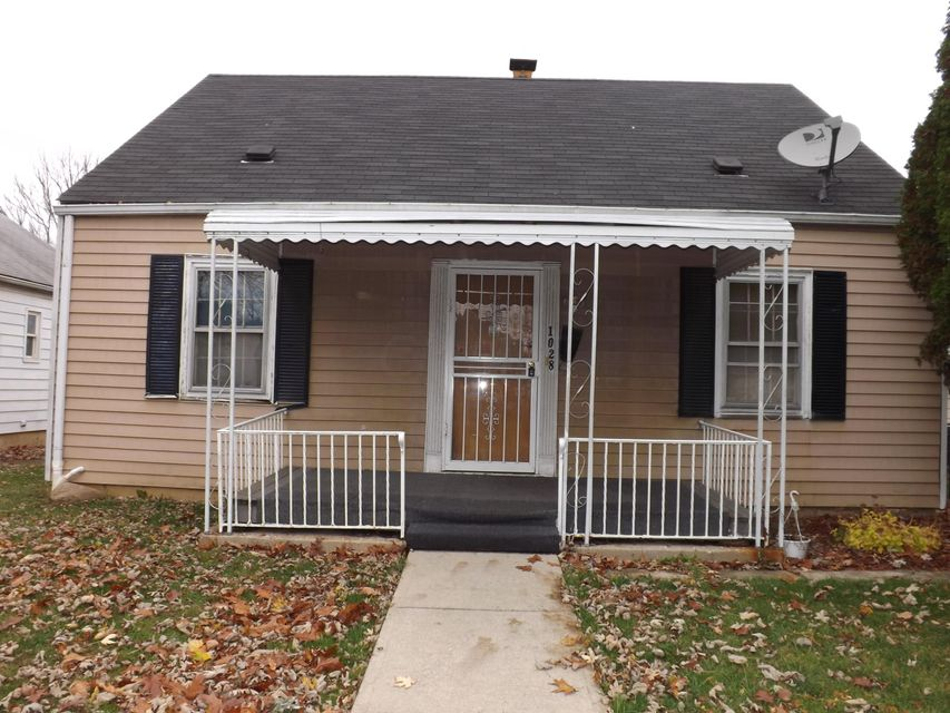 Photo of home for sale at 1028 19th Avenue E, Columbus OH