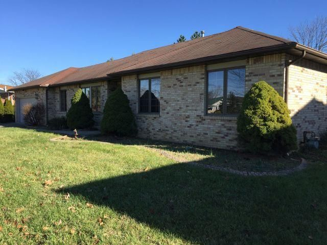 Photo of home for sale at 3464 Society Hill Court, Columbus OH